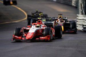 Oscar Piastri, Prema Racing, y Liam Lawson, Hitech Grand Prix