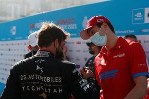 Antonio Felix Da Costa, DS Techeetah, with Alex Lynn, Mahindra Racing