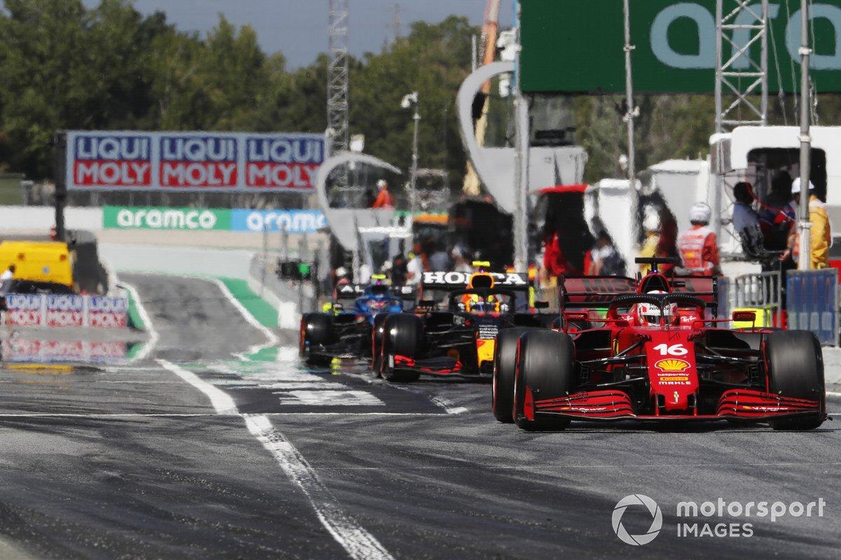 Charles Leclerc, Ferrari SF21, Sergio Pérez, Red Bull Racing RB16B