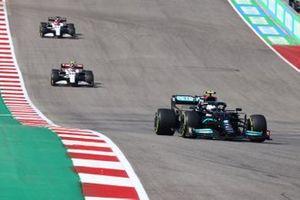 Valtteri Bottas, Mercedes W12, Antonio Giovinazzi, Alfa Romeo Racing C41