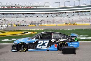 Bubba Wallace, 23XI Racing, Toyota Camry Columbia Sportswear