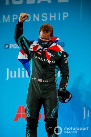 Race winner Sam Bird, Panasonic Jaguar Racing celebrates his victory