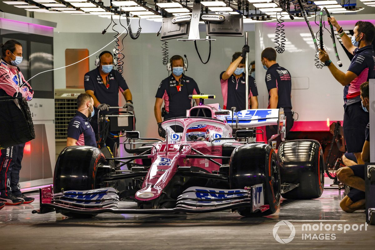 Lance Stroll, Racing Point RP20, in garage