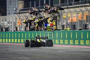 Esteban Ocon, Renault F1 Team R.S.20, 2nd position, crosses the line to the delight of his team on the pit wall