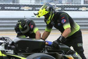 Mechanics working on the #12: VasserSullivan Lexus RC F GT3, GTD: Frankie Montecalvo, Robert Megennis, Zach Veach