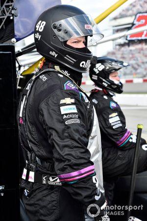 Membre de l'équipe d'Alex Bowman, Hendrick Motorsports, Chevrolet Camaro Ally