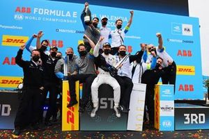 Jake Dennis, BMW i Andretti Motorsport, 1st position, the BMW I Andretti team celebrate on the podium