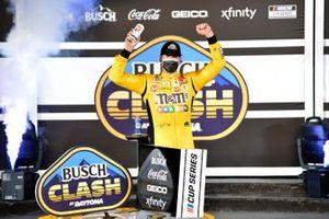 1. Kyle Busch, Joe Gibbs Racing, Toyota Camry M&M's