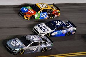 Kevin Harvick, Stewart-Haas Racing, Ford Mustang Busch Light #TheCrew David Ragan, Front Row Motorsports, Ford Mustang Kyle Busch, Joe Gibbs Racing, Toyota Camry M&M's