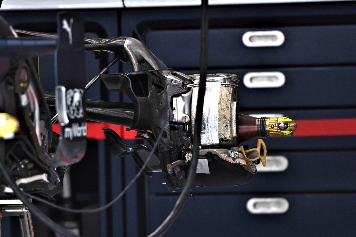 Detalhe do freio traseiro do Red Bull Racing RB16