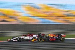 Antonio Giovinazzi, Alfa Romeo Racing C39, Max Verstappen, Red Bull Racing RB16