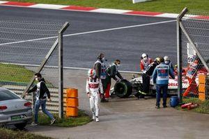 Antonio Giovinazzi, Alfa Romeo, parks up with mechanical issues