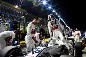Charles Leclerc, Sauber C37, in griglia di partenza