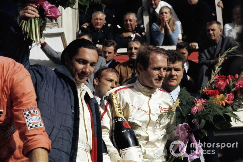 Ganadores de la carrera en el Ford GT40 #9: Pedro Rodríguez, Lucien Bianchi
