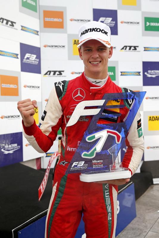Podium: Le vainqueur Mick Schumacher, PREMA Theodore Racing Dallara F317 - Mercedes-Benz