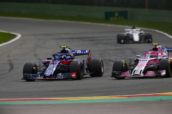 Pierre Gasly, Toro Rosso STR13, leads Esteban Ocon, Racing Point Force India VJM11, and Marcus Ericsson, Sauber C37