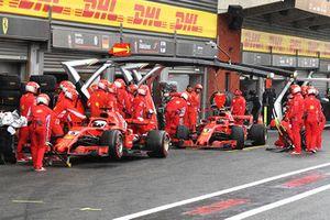 Sebastian Vettel, Ferrari SF71H e Kimi Raikkonen, Ferrari SF71H in Q3