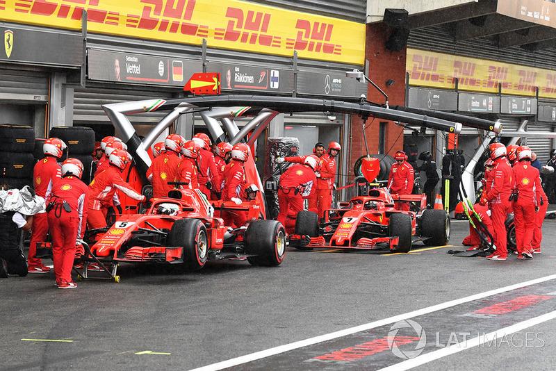 Sebastian Vettel, Ferrari SF71H and Kimi Raikkonen, Ferrari SF71H in Q3