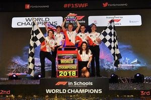 I Campioni del Mondo della F1 in Schools, Team Horizon, festeggiano