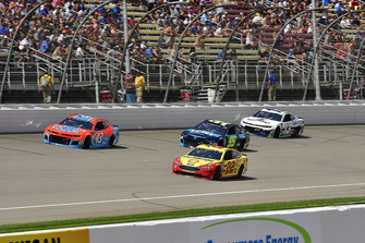 Joey Logano, Team Penske, Ford Fusion Shell Pennzoil, Darrell Wallace Jr., Richard Petty Motorsports, Chevrolet Camaro Medallion Bank / Petty's Garage, Kasey Kahne, Leavine Family Racing, Chevrolet Camaro WRL General Contractors, and Ty Dillon, Germain Racing, Chevrolet Camaro GEICO