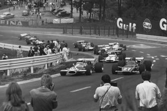 Jack Brabham, Brabham BT33-Ford, voor Jacky Ickx, Ferrari 312B