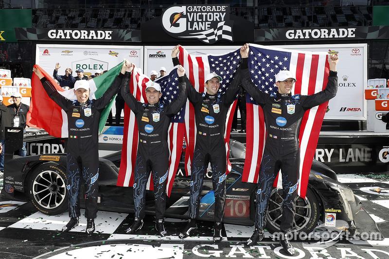 Ganadores #10 Wayne Taylor Racing Cadillac DPi: Ricky Taylor, Jordan Taylor, Max Angelelli, Jeff Gordon