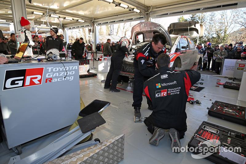 Zona de Toyota Racing team