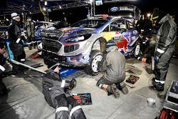 M-Sport monteurs aan het werk