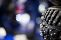 Schnee-Reifen mit Spikes