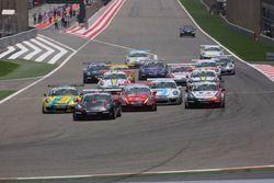 السباق الأول من الجولة الأخيرة في البحرين لتحدي كأس بورشه جي تي 3 الشرق الأوسط