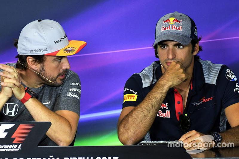 Fernando Alonso, McLaren dan Carlos Sainz Jr., Scuderia Toro Rosso di Konferensi Pers