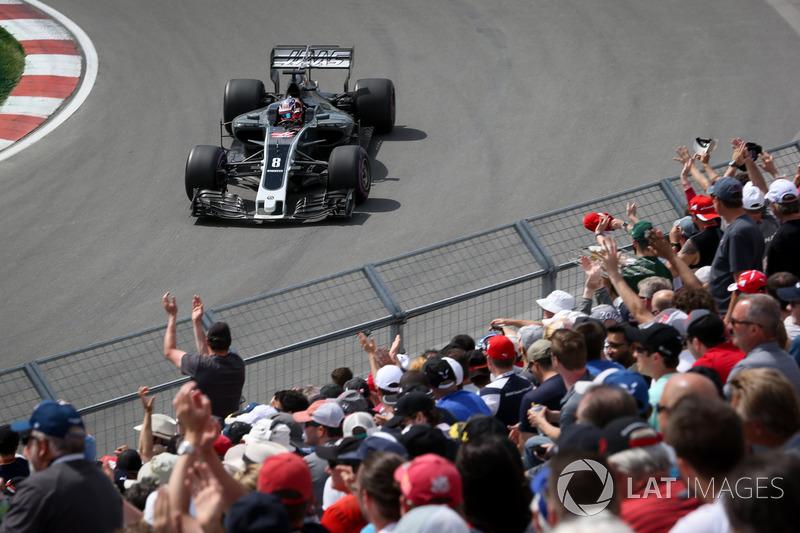 Romain Grosjean, Haas F1 Team VF-17 fans