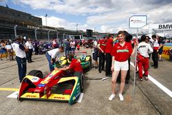 Lucas di Grassi, ABT Schaeffler Audi Sport, in griglia