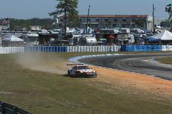 #912 Porsche Team North America Porsche 911 RSR: Kevin Estre, Laurens Vanthoor, Richard Lietz run ou