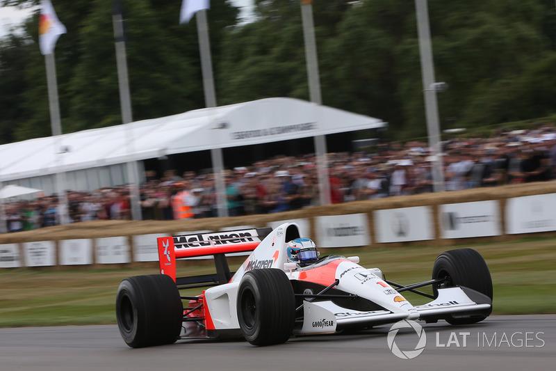 Nyck de Vries, McLaren MP4/6