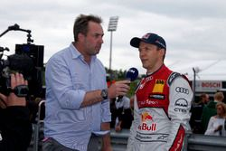 Гонщик Audi Sport Team Abt Sportsline Маттиас Экстрём и Патрик Саймон