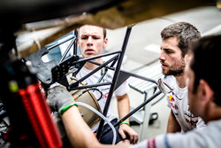 Mechanics working on the #100 Peugeot Sport Peugeot 3008 DKR: Cyril Despres, David Castera