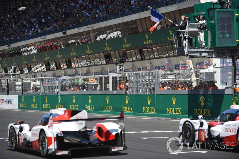 A Toyota dominou a primeira fila com vantagem significativa em relação à Porsche.