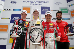 Podium : le vainqueur Callum Ilott, Prema Powerteam, Dallara F317 - Mercedes-Benz, le deuxième, Joel Eriksson, Motopark Dallara F317 - Volkswagen, Guan Yu Zhou, Prema Powerteam, Dallara F317 - Mercedes-Benz