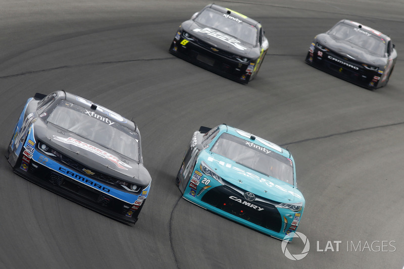 Joey Gase, Jimmy Means Racing Chevrolet, Denny Hamlin, Joe Gibbs Racing Toyota