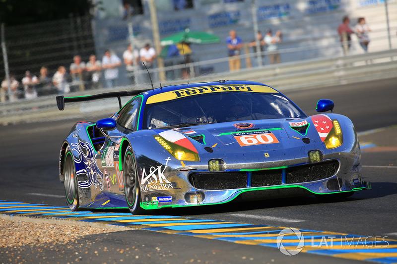 56°: #60 Clearwater Racing Ferrari 488 GTE: Richard Wee, Alvaro Parente, Hiroki Katoh