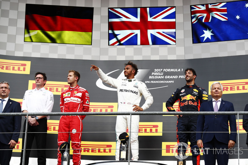 Podio: Ganador de la carrera Lewis Hamilton, Mercedes AMG F1, segundo lugar Sebastian Vettel, Ferrari, tercero Daniel Ricciardo, Red Bull Racing