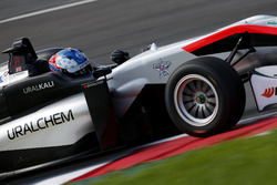 Джейк Хьюз, Hitech Grand Prix, Dallara F317 - Mercedes-Benz