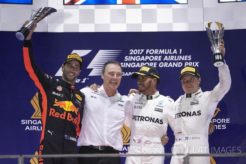 Podium: Second place Daniel Ricciardo, Red Bull Racing, Race winner Lewis Hamilton, Mercedes AMG F1,