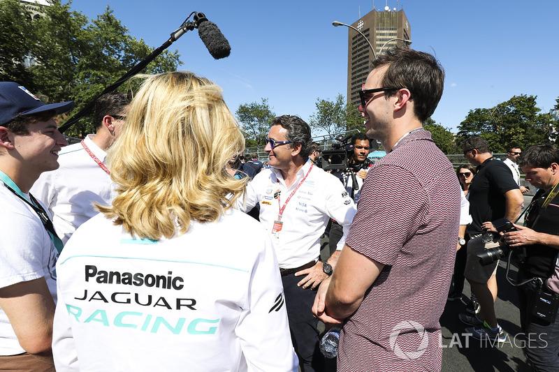 Nicholas Hoult y Alejandro Agag CEO Fórmula E