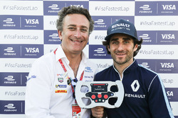 Alejandr Agag presents the Visa Fastest Lap trophy to Nicolas Prost, Renault e.Dams