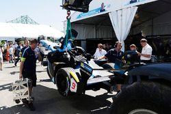 Bergung des Unfallautos von Sébastien Buemi, Renault e.Dams