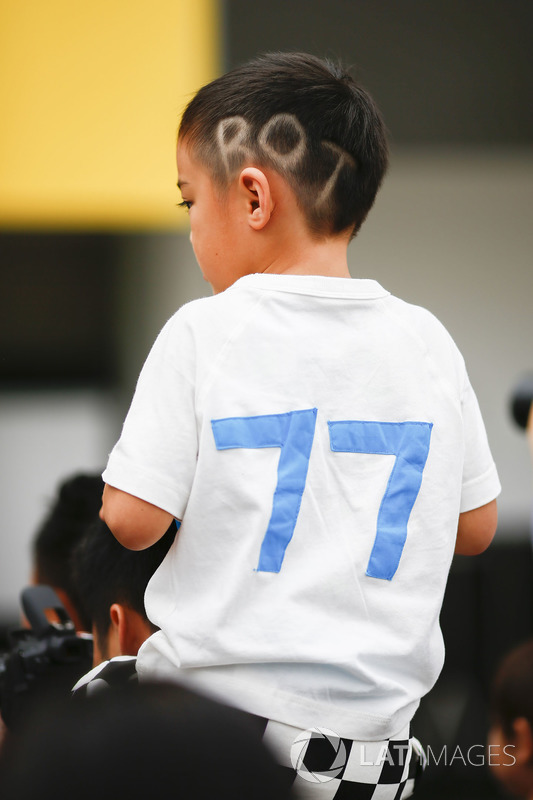 A young fan of Valtteri Bottas, Mercedes AMG F1
