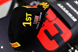The winners cap of Max Verstappen, Red Bull Racing
