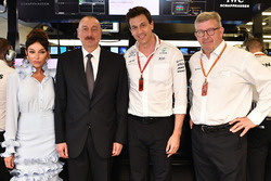 Illham Aliyev, President of Azerbaijan in the garage, Toto Wolff, Mercedes AMG F1 Director of Motors